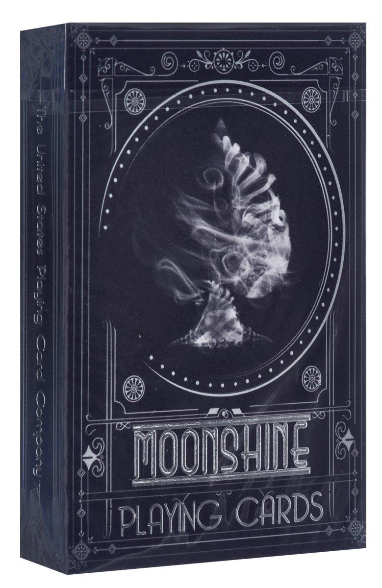 Игральные карты Moonshine, цвет: черный, белыйК-550Карты Moonshine - это версия легендарной колоды Лунный свет, выполненная из высококачественного картона в черном цвете. Ее авторы утверждают, что создавали эту колоду не в погоне за модой, а полной любви и ностальгии. Разговоры, куклы и дымные бары Америки 1920-х годов – все это оживает в картах. Карты превосходно подойдут как для игры, так и для личной коллекции.