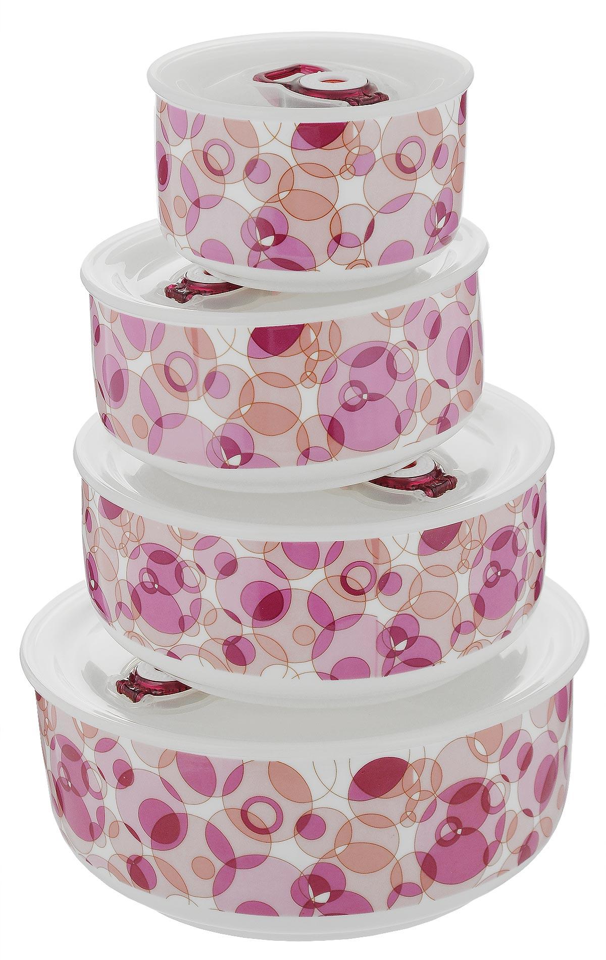 Набор контейнеров для хранения продуктов Darsto, цвет: белый, розовый, 4 шт. 5813A45813A4-RED BUBBLEНабор Darsto состоит из 4 контейнеров разного объема, выполненных из высококачественного фарфора. Контейнеры оснащены вакуумными крышками с силиконовыми вставками, которые плотно закрываются, тем самым дольше сохраняя пищу вкусной и свежей. Уникальная технология ClipFresh обеспечивает 100% герметичность и исключает вытекание жидкости. Эстетичность и необыкновенная функциональность набора Darsto позволит ему стать достойным дополнением к вашему кухонному инвентарю. Внутренняя часть коробки украшена желтым атласом, и каждый предмет надежно закреплен. Подходят для использования в микроволновой печи и в посудомоечной машине. Объем контейнеров: 310 мл; 540 мл; 800 мл; 1,5 л. Диаметр контейнеров (по верхнему краю): 10 см; 12,5 см; 15 см; 18 см. Высота контейнеров: 6,5 см; 6,5 см: 6,5 см; 7,5 см.