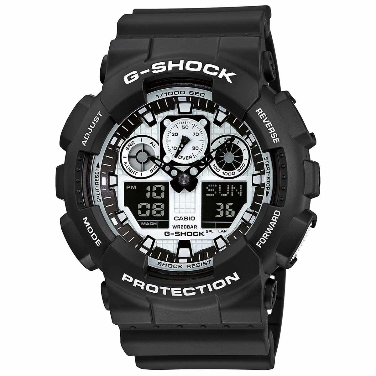 Часы наручные мужские Casio G-Shock, цвет: черный, белый. GA-100BW-1AGA-100BW-1AМногофункциональные мужские часы Casio G-Shock, выполнены из минерального стекла, металлического сплава и полимерного материала. Корпус часов оформлен символикой бренда. Часы оснащены ударопрочным корпусом с электронно-механическим механизмом, имеют степень влагозащиты равную 20 atm, а также дополнены устойчивым к царапинам минеральным стеклом. Браслет часов оснащен застежкой-пряжкой, которая позволит с легкостью снимать и надевать изделие. Корпус часов дополнен мощной светодиодной подсветкой. Дополнительные функции: таймер, будильник, функция повтора будильника, секундомер, функция мирового времени, автоматический календарь, отображение времени в 12-часовом или 24-часовом формате. Часы поставляются в фирменной упаковке. Многофункциональные часы Casio G-Shock подчеркнут отменное чувство стиля своего обладателя.
