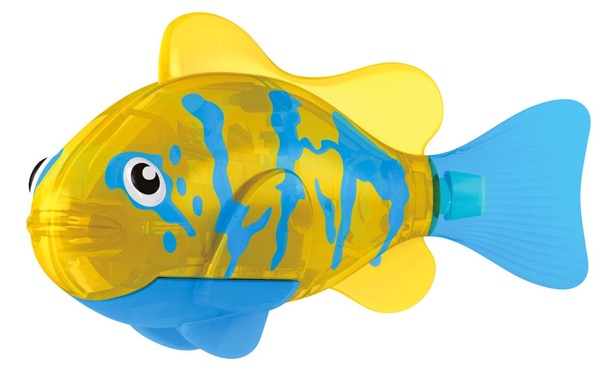 Robofish Игрушка для ванны Тропическая РобоРыбка. Белогрудый хирург, цвет: синий, желтый2549-4Игрушка для ванны Robofish Тропическая РобоРыбка понравится вашему малышу и превратит купание в веселую игру. Она выполнена из безопасного пластика с элементами металла в виде маленькой красочной рыбки. При погружении в ванну, аквариум или другую емкостью с водой РобоРыбка начинает плавать, опускаясь ко дну и поднимаясь к поверхности воды. Игрушка прекрасно имитирует повадки настоящей рыбы. Траектория ее движения зависит от наклона хвоста. Внутри рыбки находится специальный грузик, регулирующий глубину ее погружения. Если рыбка плавает на дне, не всплывая, - уберите грузик; если на поверхности - добавьте грузик. Набор включает подставку, на которой можно разместить рыбку, пока вы с ней не играете. Порадуйте вашего ребенка таким замечательным подарком! Игрушка работает от 2 батарей напряжением 1,5V типа LR44 (2 установлены в игрушку и 2 запасные).