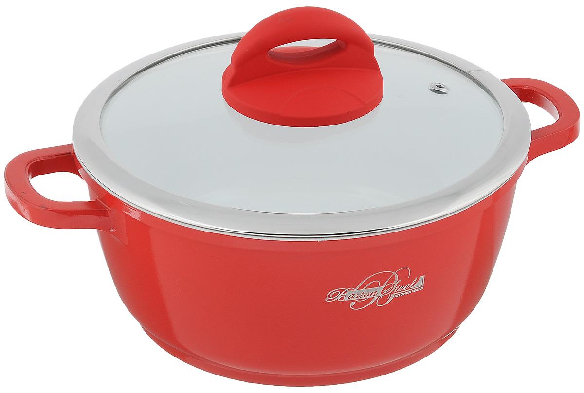 Кастрюля BartonSteel с крышкой, с керамическим покрытием, цвет: красный, 2,2 л6720BSКастрюля BartonSteel изготовлена из алюминия с высококачественным внутренним антипригарным керамическим покрытием. Такое покрытие прекрасно подходит для приготовления супов, жарки, пассировки и тушения, в посуде можно приготовить разнообразные блюда из мяса, рыбы, птицы и овощей практически не используя масло. Готовое блюдо получится не только вкусным, но и полезным. Кастрюля оснащена крышкой из жаропрочного стекла со стальным ободом, имеет эргономичную бакелитовую ручку и отверстие для вывода пара. Также в комплект входит две прихватки. Подходит для всех типов плит, включая индукционные. Можно мыть в посудомоечной машине. Диаметр кастрюли (по верхнему краю): 20 см. Высота стенки: 9,4 см. Ширина кастрюли (с учетом ручек): 27,5 см.
