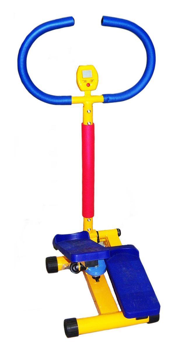 Тренажер Мини-степпер, детский. KTB 002LEM-KTB 002К тренажеру прилагается инструкция по эксплуатации на русском языке. Детский тренажер Мини- степпер имитирует ходьбу по лестнице. Удобные педали и поручни позволяют ребенку чувствовать себя уверенно и комфортно. Яркий дизайн этого тренажера вызывает восторг у детей и делает спортивные занятия веселыми и увлекательными. Тренажен изготовлен из безопасных для детей материалов. Ручки оформлены неопреновым покрытием. Неопрен в течение всей тренировки отводит выделяющуюся влагу из зоны контакта с телом, оставляя поверхность сухой и не позволяя выскальзывать. Тренажер оснащен небольшим компьютерным монитором на котором отображается время, калории и другая информация. Конструкция очень прочная и устойчивая. Тренажер можно применяться как дома, так и в любых детских учреждениях, комнатах отдыха. К тренажеру прилагается инструкция по эксплуатации на русском языке. Размер педали: 68 см х 40 см х 86 см. Диаметр диска: 30 см х 11,5 см. ...