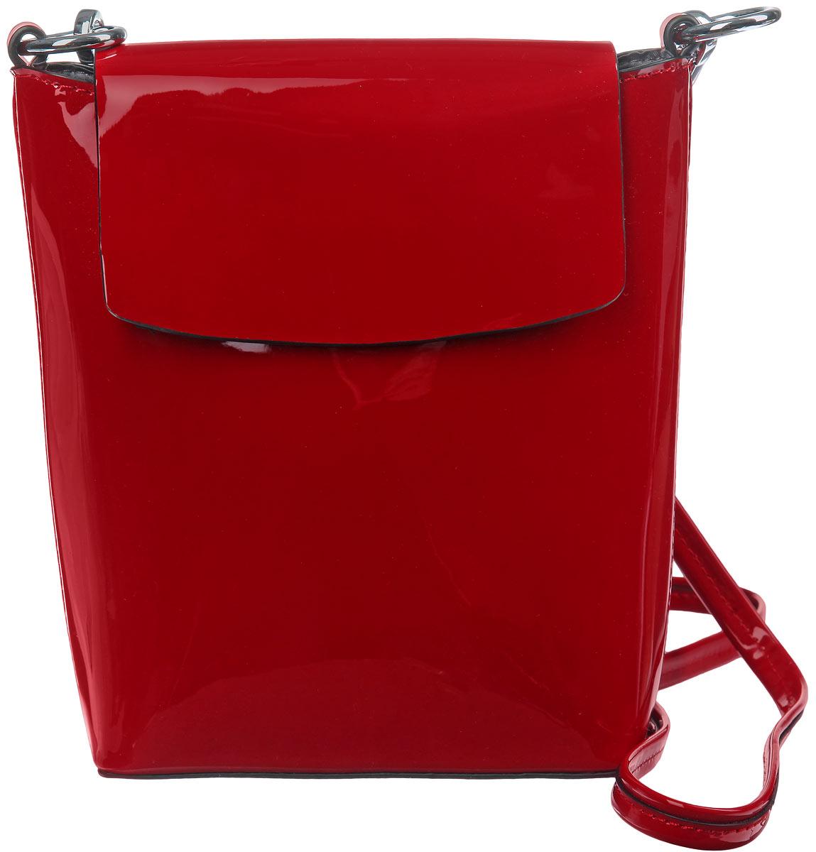 Сумка женская Milana, цвет: красный. 152610-1152610-1-740Стильная сумка Milana, выполнена из искусственной лакированной кожи. Изделие закрывается клапаном на магнитную кнопку. Сумка содержит одно вместительное отделение, внутри которого расположен накладной карман и врезной карман на молнии. Изделие оснащено съемным наплечным ремнем. Элегантная сумка идеально дополнит ваш образ и подчеркнет индивидуальность стиля.