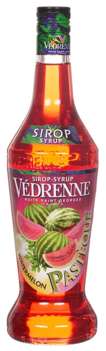 Vedrenne Арбуз сироп, 0,7 лSVDRPA-070B01Арбуз испокон веков считался настоящим ягодным шедевром и утонченным деликатесом. Свое русское название эта ягода получила от тюркского слова karpuz, что в буквальном переводе означает - огурец величиной с осла. И действительно, арбуз — одна из самых крупных ягод в мире. Употребляют этот продукт в основном в летний период, который, как известно, длится всего три месяца. В другие сезоны, когда ягода недоступна, на помощь придет сироп Арбуз, который подарит вам незабываемые воспоминания о жарком лете. Сироп Арбуз обладает насыщенным ярко-красным цветом, который приятно оттеняется оранжевыми отблесками. Он характеризуется сладким освежающим вкусом. Сиропы изготавливаются на основе натурального растительного сырья, фруктовых и ягодных соков прямого отжима, цитрусовых настоев, а также с использованием очищенной воды без вредных примесей, что позволяет выдержать все ценные и полезные свойства натуральных фруктово-ягодных плодов и трав. В...