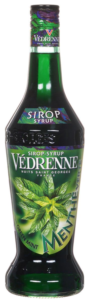 Vedrenne Зеленая Мята сироп, 0,7 лSVDRMV-070B01Сладкий и в то же время освежающий вкус сиропа Зеленая мята позволяет создавать на его основе простые, но очень вкусные прохладительные напитки, не содержащие алкоголя. Мятный сироп в сочетании с содовой или лимонадом освежит и взбодрит в самый жаркий день. Сироп Зеленая мята составит достойную партию не только прохладительным, но и горячим напиткам. Сиропы изготавливаются на основе натурального растительного сырья, фруктовых и ягодных соков прямого отжима, цитрусовых настоев, а также с использованием очищенной воды без вредных примесей, что позволяет выдержать все ценные и полезные свойства натуральных фруктово-ягодных плодов и трав. В состав сиропов входит только натуральный сахар, произведенный по традиционной технологии из сахарозы. Благодаря высокому содержанию концентрированного фруктового сока, сиропы Vedrenne обладают изысканным ароматом и натуральным вкусом, являются эффективным подсластителем при незначительной калорийности. Они...