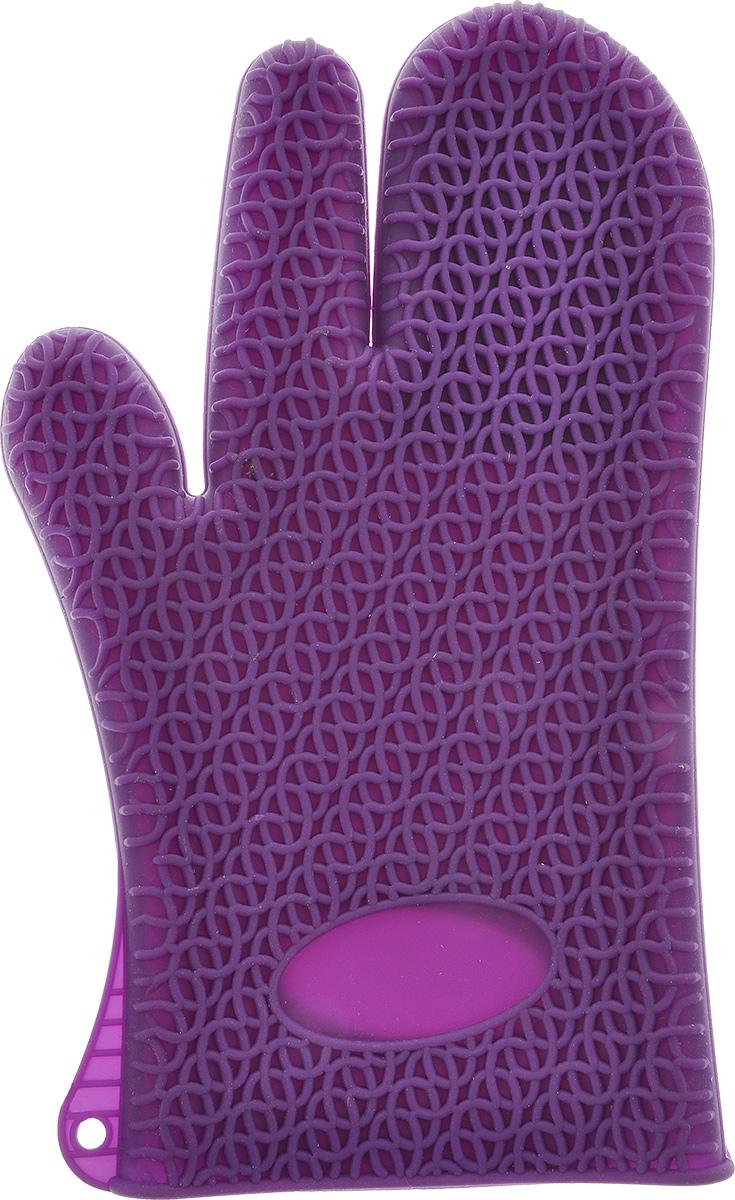 Рукавица для кухни Marmiton, силиконовая, цвет: фиолетовый16067_фиолетовыйРукавица для кухни Marmiton выполнена из цветного силикона, который выдерживает температуру от -40°С до +240°С. Изделие приятное на ощупь, невероятно гибкое и прочное. Рукавица имеет рельефную поверхность, что обеспечивает еще более надежный хват. С помощью такой рукавицы ваши руки будут защищены от ожогов, когда вы будете ставить в печь или доставать из нее выпечку. Размер: 17 см х 28 см.