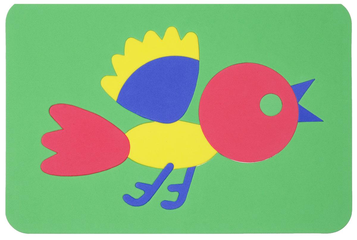 Август Мозаика мягкая Птичка27-2012_зеленыйМягкая мозаика Птичка выполнена из мягкого полимера, который дает юному конструктору новые удивительные возможности в игре: детали мозаики гнутся, но не ломаются, их всегда можно состыковать. Мозаика представляет собой рамку, в которой из 10 элементов собирается яркая птичка. Ваш ребенок сможет собрать ее и в ванной. Элементы мозаики можно намочить, благодаря чему они будут хорошо прилипать к стене в ванной комнате. Такая мозаика развивает пространственное и логическое мышление, память и знакомит с формами и цветом предмета в процессе игры.