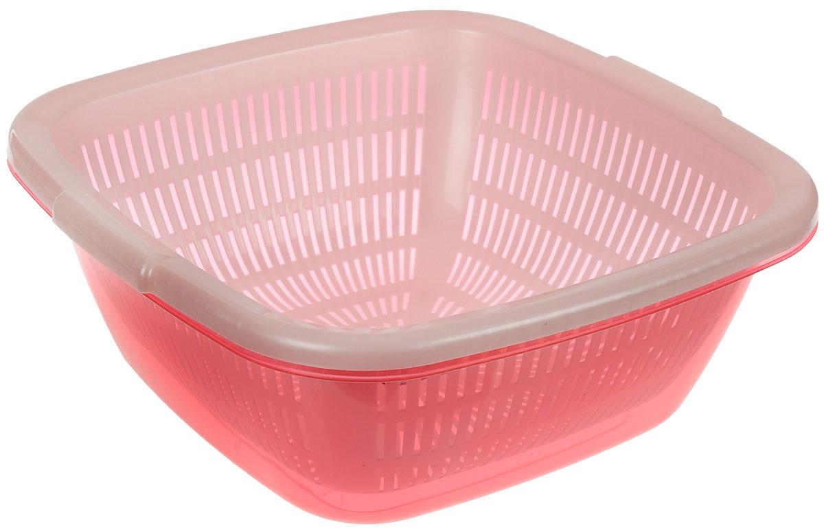 Дуршлаг Dunya Plastik, с поддоном, цвет: розовый, белый, 6 л10222_розовый, белыйКвадратный дуршлаг Dunya Plastik, изготовленный из пластика, станет полезным приобретением для вашей кухни. Он идеально подходит для процеживания, ополаскивания и стекания макарон, овощей, фруктов. Дуршлаг оснащен поддоном, устойчивым основанием и удобными ручками по бокам. Дуршлаг Dunya Plastik займет достойное место среди аксессуаров на вашей кухне. Размер дуршлага по верхнему краю (с учетом ручек): 30 см х 29,5см. Внутренний размер дуршлага: 25,7 см х 25,7 см. Высота стенки дуршлага: 11,5 см. Размер поддона: 29 см х 29 см х 12 см. Объем дуршлага: 6 л.
