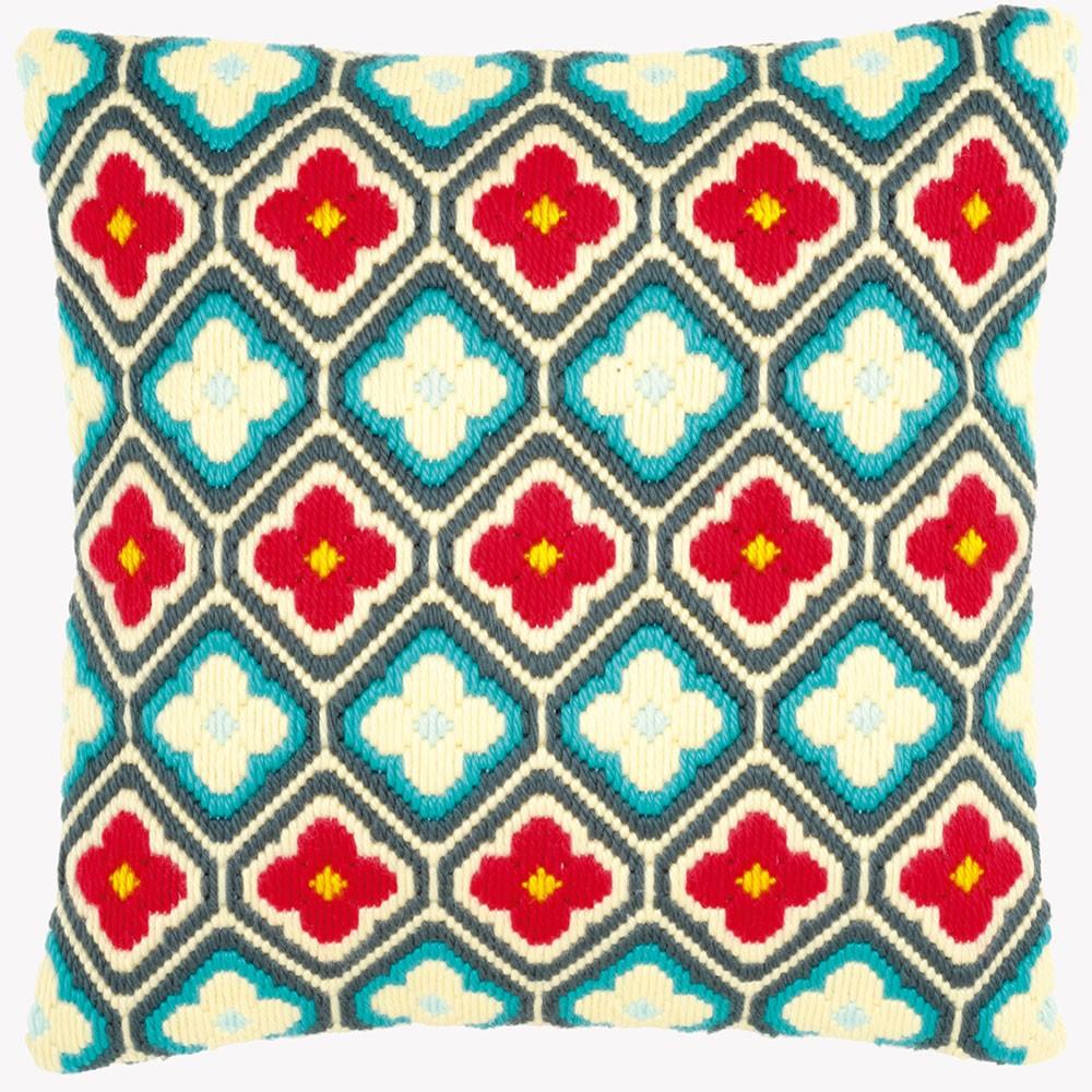 Набор для вышивания подушки Vervaco Цветы и ромбы, 40 см х 40 см - Vervaco7709913Набор для вышивания Vervaco Цветы и ромбы вам создать свой личный шедевр - красивую декоративную подушку, вышитую на канве. Вышивание отвлечет вас от повседневных забот и превратится в увлекательное занятие! Работа, сделанная своими руками, создаст особый уют и атмосферу в доме и долгие годы будет радовать вас и ваших близких, а подарок, выполненный собственноручно, станет самым ценным для друзей и знакомых. В состав набора входит: - страмин с нанесенным рисунком (100% хлопок), - толстая пряжа (100% акрил), - игла, - инструкция на русском языке. Размер страмина: 49 см х 44 см. Техника вышивания - отдельные стежки Bargello. Обратная сторона подушки и наполнитель в комплект не входят.