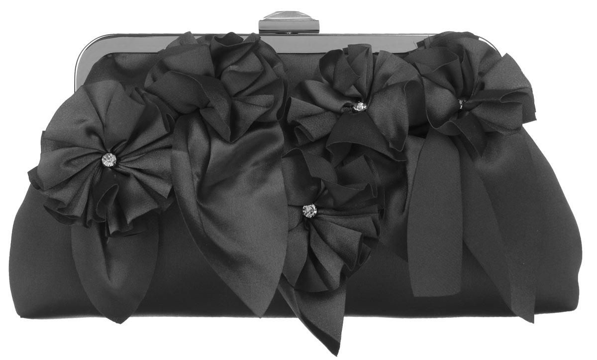 Клатч Fabretti, цвет: черный. WL8498WL8498-blackЭлегантный вечерний клатч Fabretti выполнен из полиэстера. Клатч оформлен пятью оригинальными цветками из полиэстера, посередине украшенными стразами. Изделие содержит одно отделение, закрывается на рамочный замок, который дополнен граненым кристаллом. Клатч оснащен укороченным наплечным ремнем-цепочкой. Клатч Fabretti прекрасно завершит ваш праздничный образ.