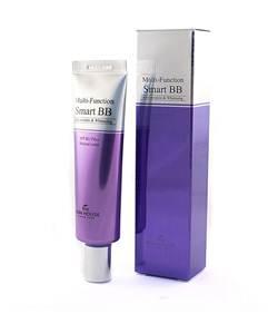 THE SKIN HOUSE Солнцезащитный ВВ Крем SPECIAL LINE, 30 мл822562Солнцезащитный ВВ Крем,30 мл Многофункциональный ББ крем с высоким солнцезащитным фактором надежно маскирует несовершенства кожи и скрывает любые недостатки кожи. Обладает легкой текстурой и ухаживает за кожей, одновременно увлажняя и осветляя кожу лица. Крем надежно защищает дерму от вредного воздействия ультрафиолета благодаря высокому фактору SPF30. Кроме того, крем борется с морщинками и другими признаками старения. Создает идеально ровное покрытие, позволяющее скрыть несовершенства и сохраняется в первозданном виде в течение долгого времени благодаря специальной формуле стойкости. Нежно заботится о коже и помогает бороться с несовершенствами различного происхождения (пост-акне, пигментация, прыщики, покраснения), предотвращая появление новых. Может использоваться самостоятельно и в качестве базы под макияж. Создает на коже защитный барьер, защищающий ее от негативного воздействия факторов окружающей среды. Выпускается в универсальном оттенке Натурального бежевого цвета, прекрасно...