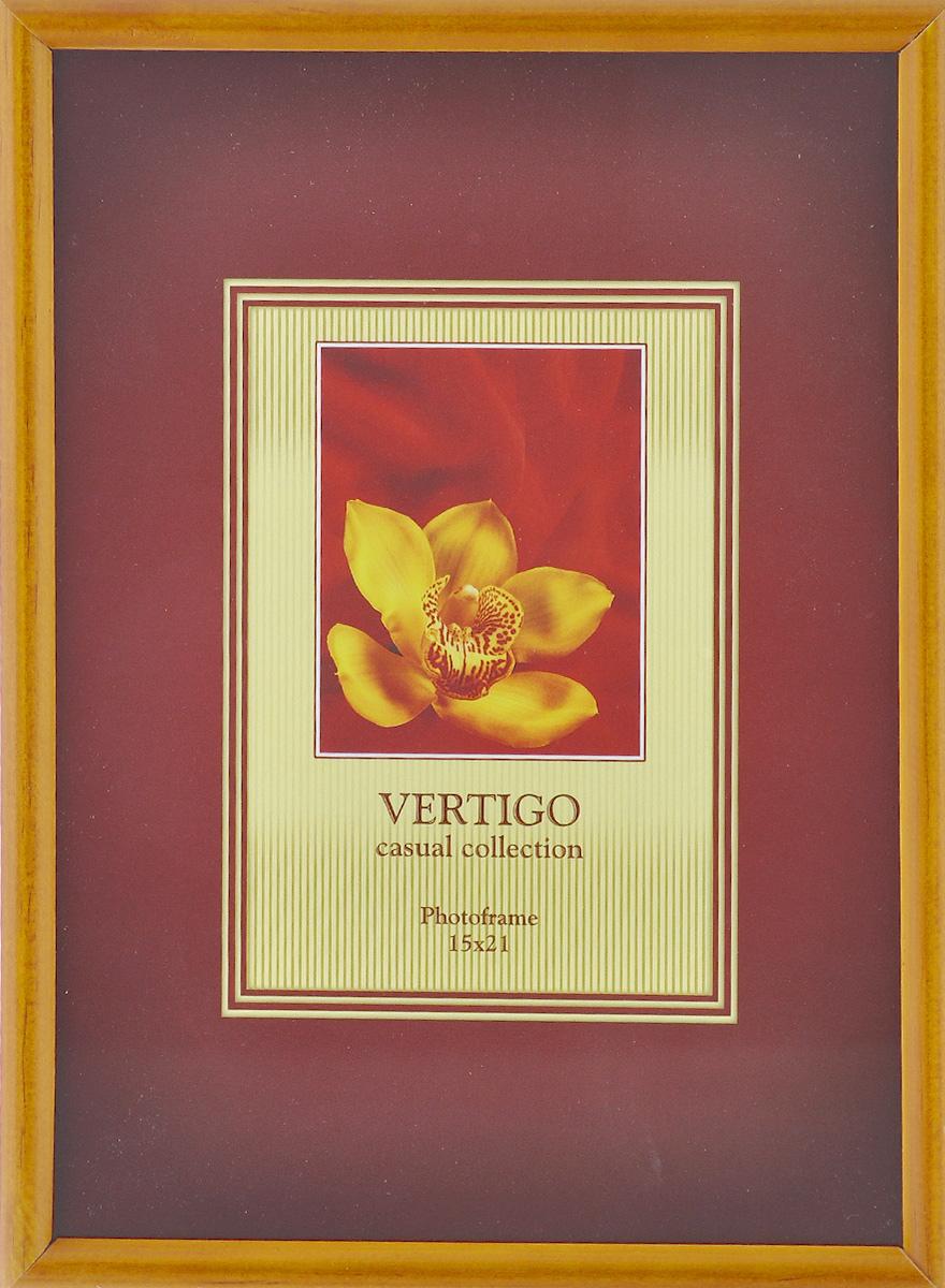 Фоторамка Vertigo Veneto, 15 x 21 см 1218012180 WF-019/180_темно-желтыйФоторамка Vertigo Veneto выполнена в классическом стиле из натурального дерева и стекла, защищающего фотографию. Оборотная сторона рамки оснащена специальной ножкой, благодаря которой ее можно поставить на стол или любое другое место в доме или офисе. Также на рамке имеются два отверстия для подвешивания. Такая фоторамка поможет вам оригинально и стильно дополнить интерьер помещения, а также позволит сохранить память о дорогих вам людях и интересных событиях вашей жизни. Размер фотографии: 15 см х 21 см.