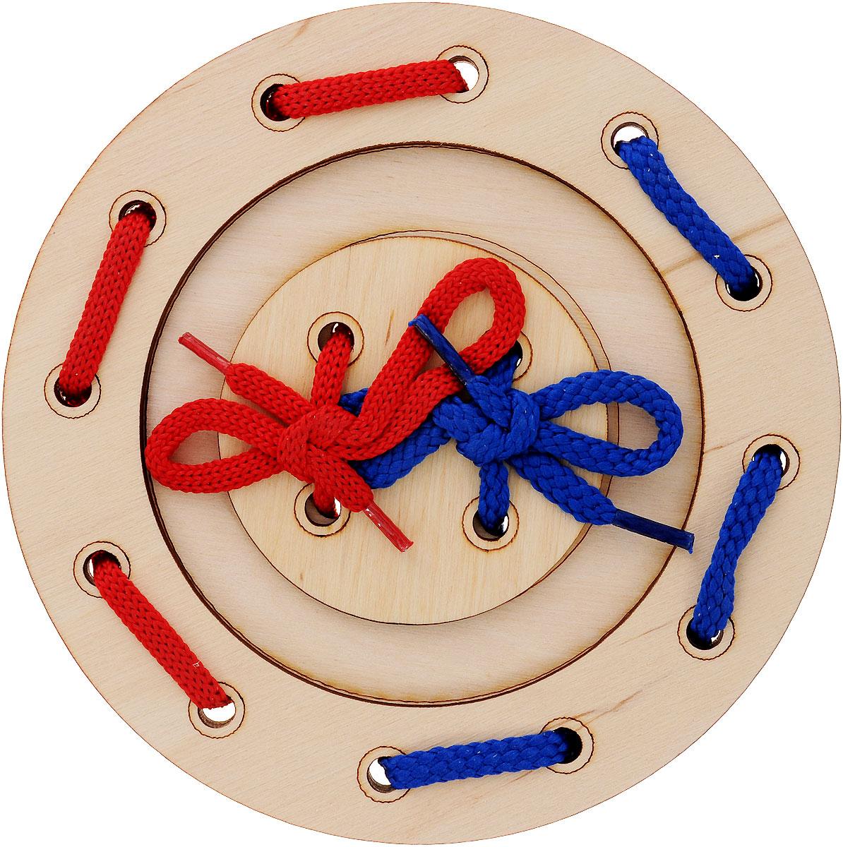 Мастер Вуд Игра-шнуровка Пуговичка цвет синий красныйДШ-1_синий, красныйИгра-шнуровка Пуговичка - яркая и несложная игрушка, которая очень понравится вашему малышу. Она выполнена из дерева лиственных пород в виде пуговки, состоящей из трех элементов. Задача малыша - продеть два шнурка разных цветов в отверстия основы, собрав пуговку. Игрушка-шнуровка развивает воображение, пространственное мышление, координацию движений, ловкость, положительно влияет на эмоциональное состояние ребенка и его настроение.