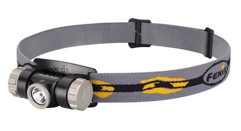 Фонарь налобный Fenix HL23 серыйHL23GRFenix HL23 - это отлично защищенный от любых видов повреждений фонарь. При этом он еще и совсем небольшой, что позволяет включить данный прибор в список снаряжения для любого путешествия. Вес фонаря без учета аккумулятора составляет лишь 52 г. Габариты его корпуса - 71мм х 38,9 мм х 40 мм. Основой оптической системы Fenix HL23 является светодиод Cree XP-G2 R5. Он принадлежит к числу наиболее современных полупроводниковых приборов и в состоянии проработать не менее 50 000 ч. Яркость света, которую он обеспечивает, достигает 150 люмен. Осветительное устройство работает в 3 режимах. Это режимы High (150 люмен), Mid (50 люмен) и Low (3 люмена). Наиболее экономный из них может использоваться в качестве ночного света в палатке, или чтобы осветить путь непосредственно под ногами. А самый яркий дает комфортный уровень света для решения большинства задач в темное время суток. Время работы Fenix HL23 в каждом из режимов яркости зависит от того, какой элемент питания установлен в...