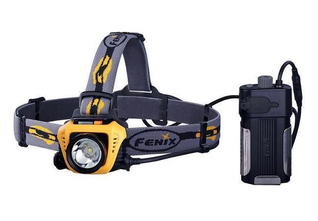 Фонарь налобный Fenix HP30 желтыйHP30yНалобный фонарь Fenix HP30 CREE XM-L2 работает на основе новейшего светодиода XM-L2 со сроком эксплуатации 50 000 часов. Максимальная мощность его светового потока составляет 900 люмен. Пользователям доступны 5 различных уровней яркости и специальный режим SOS для подачи сигналов. Turbo: 900 люмен; High: 500 люмен / 3 часа 50 минут; Mid: 200 люмен / 12 часов; Low: 65 люмен / 32 часа 40 минут; Eco: 4 люмен / 300 часов; SOS. Дальность светового потока этого фонаря достигает 233 м. Этого достаточно для создания комфортного уровня освещения даже в густом тумане или в подземной пещере. Выносной батарейный отсек фонаря Fenix HP30 CREE XM-L2 рассчитан на 2 аккумулятора типа 18650 или 4 формата CR123A. Его можно как разместить на системе ремешков на голову, так и прикрепить на поясной ремень или положить в карман. Более того, в конструкции батарейного блока предусмотрен разъем USB, через который от фонаря можно заряжать другие портативные...
