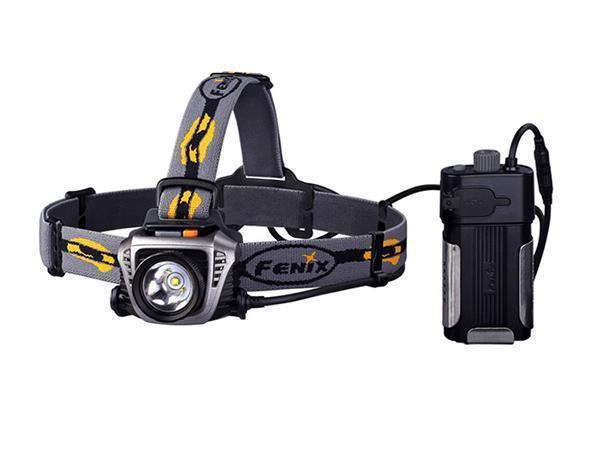 Фонарь налобный Fenix HP30 серыйHP30gНалобный фонарь Fenix HP30 CREE XM-L2 работает на основе новейшего светодиода XM-L2 со сроком эксплуатации 50 000 часов. Максимальная мощность его светового потока составляет 900 люмен. Пользователям доступны 5 различных уровней яркости и специальный режим SOS для подачи сигналов. Turbo: 900 люмен; High: 500 люмен / 3 часа 50 минут; Mid: 200 люмен / 12 часов; Low: 65 люмен / 32 часа 40 минут; Eco: 4 люмен / 300 часов; SOS. Дальность светового потока этого фонаря достигает 233 м. Этого достаточно для создания комфортного уровня освещения даже в густом тумане или в подземной пещере. Выносной батарейный отсек фонаря Fenix HP30 CREE XM-L2 рассчитан на 2 аккумулятора типа 18650 или 4 формата CR123A (батарейки в комплект не входят). Его можно как разместить на системе ремешков на голову, так и прикрепить на поясной ремень или положить в карман. Более того, в конструкции батарейного блока предусмотрен разъем USB, через который от фонаря...