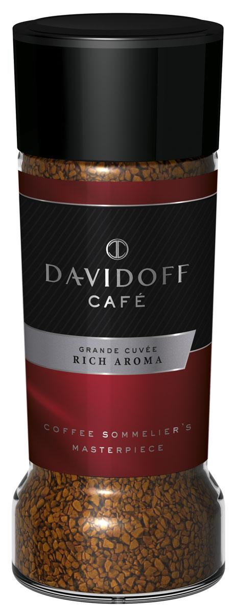 Davidoff Rich кофе растворимый, 100 г464386Davidoff Cafe Rich Aroma - это восхитительное сочетание насыщенного вкуса с элегантной кислинкой, дополненное пикантными, легкими фруктовыми нотками. Для создания совершенной кофейной композиции используются только специально отобранные зерна сорта Арабика. Безупречное качество этого кофе покорит самых искушенных ценителей.