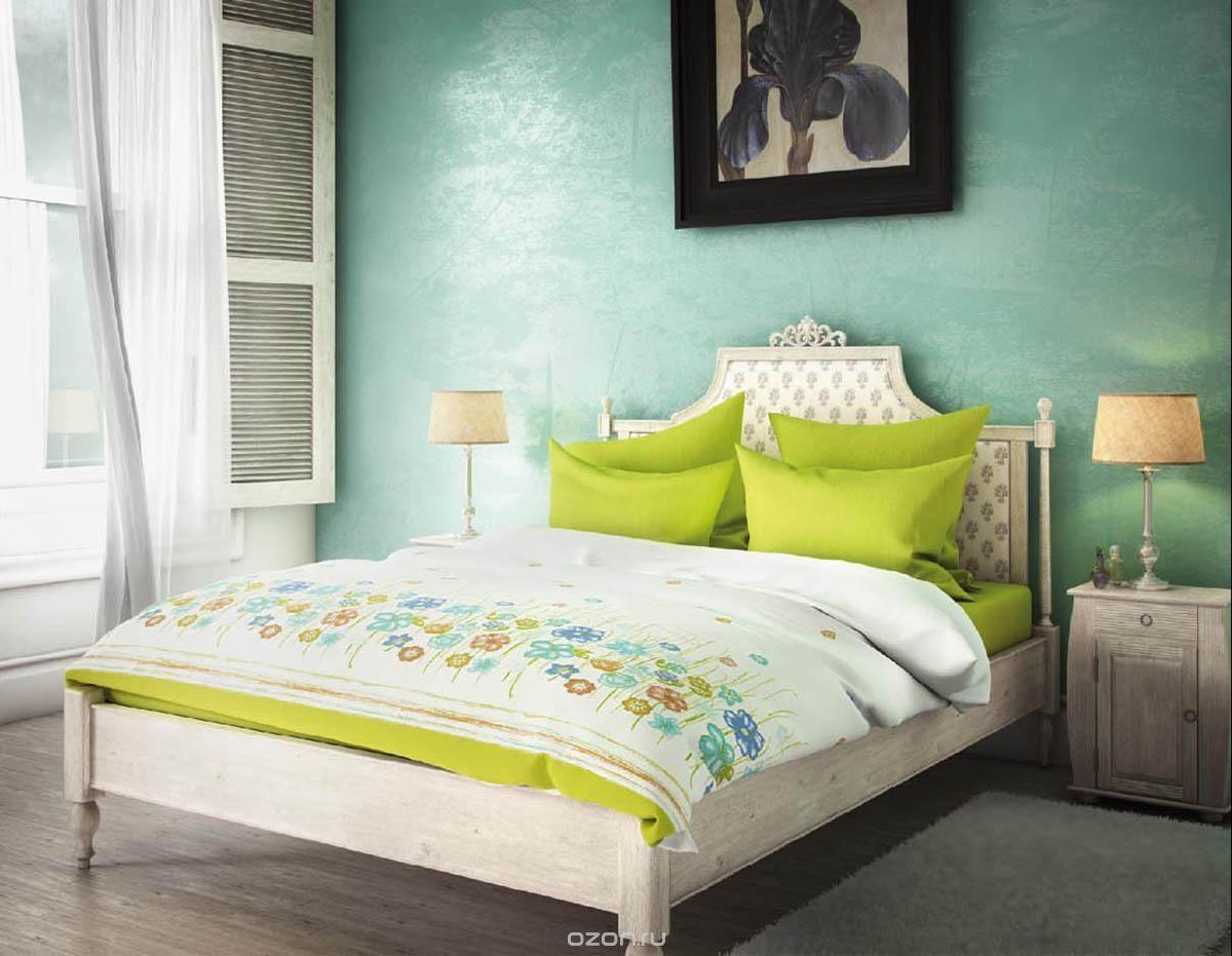 Комплект белья Волшебная ночь Французское утро, 1,5-спальный, наволочки 50х70 и 40х40, цвет: зеленый, белый, голубой. 188405188405Комплект белья Волшебная ночь Французское утро состоит из пододеяльника, простыни, двух наволочек на спальные подушки и одной наволочки на подушку-думочку. Комплект выполнен из сатина - плотной ткани с мягким грифом. Изделия оформлены красивым рисунком в стиле прованс, который сделает спальню модной и стильной. Сатин - это натуральная ткань, которая производится из хлопкового волокна. Полотно этого материала весьма приятное на ощупь. Кроме этого, его отличие состоит в своеобразном блеске. Сатин обладает высокой прочностью и стойкостью к выцветанию, выдерживает большое количество стирок. Рекомендации по уходу: - Машинная и ручная стирка при температуре 60°C, - Не отбеливать, - Гладить при высокой температуре, - Сушить в стиральной машине при средней температуре, - Химчистка запрещена.