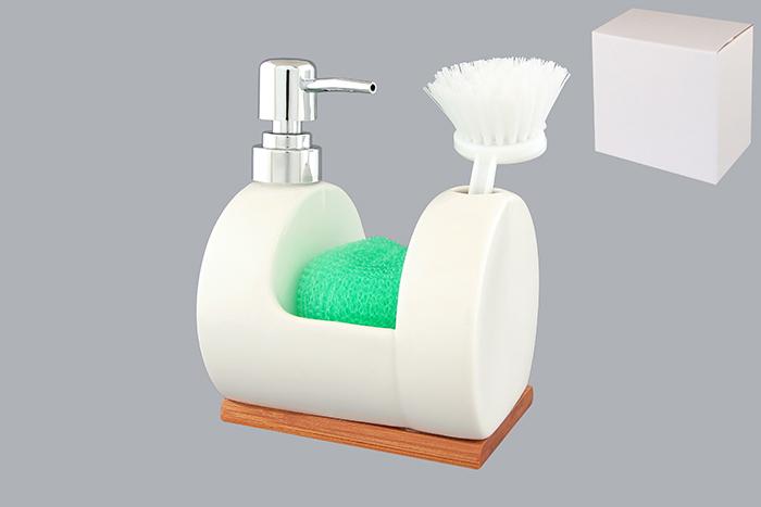 Набор для мытья посуды Elan Gallery Кристалл, 3 предмета. 540026540026Набор для мытья посуды Elan Gallery Кристалл состоит из диспенсера, губки и щетки. Диспенсер, изготовленный из высококачественной керамики, оснащен деревянной подставкой и имеет оригинальную форму, на которой размещается губка и щетка для мытья посуды. Щетка, изготовленная прочного пластика, оснащена скребком и специальным крючком для подвешивания. Диспенсер снабжен дозатором, выполненным из пластика под хром. Дозатором очень удобно и просто пользоваться: просто нажмите на него и выдавите необходимое количество средства. Диспенсер подходит для жидкого мыла, моющего средства для мытья посуды, различных лосьонов. Такой набор стильно дополнит интерьер кухни или ванной комнаты и станет замечательным приобретением для любой хозяйки. Размер губки: 8,5 см х 8 см х 2,5 см. Размер рабочей поверхности щетки: 5 см х 4 см. Общая длина щетки: 15,5 см. Длина ворса щетки: 3 см. Размер диспенсера (с учетом дозатора): 12,5 см х 11 см х 16,5 см. ...
