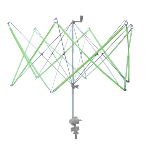 Устройство для перемотки пасмы в моток Hobby & Pro Зонт, диаметр 66 см7706820Устройство Hobby & Pro Зонт предназначено для перематывания пасмы в моток вручную, наматывания нитей в пасму. Крепится к горизонтальной поверхности с помощью специальных крепежей. Устройство компактно, складывается в небольшую удобную коробку. В комплекте прилагается подробная инструкция на русском языке. Диаметр раскрытого устройства: 66 см. Длина устройства (в сложенном виде): 44 см.