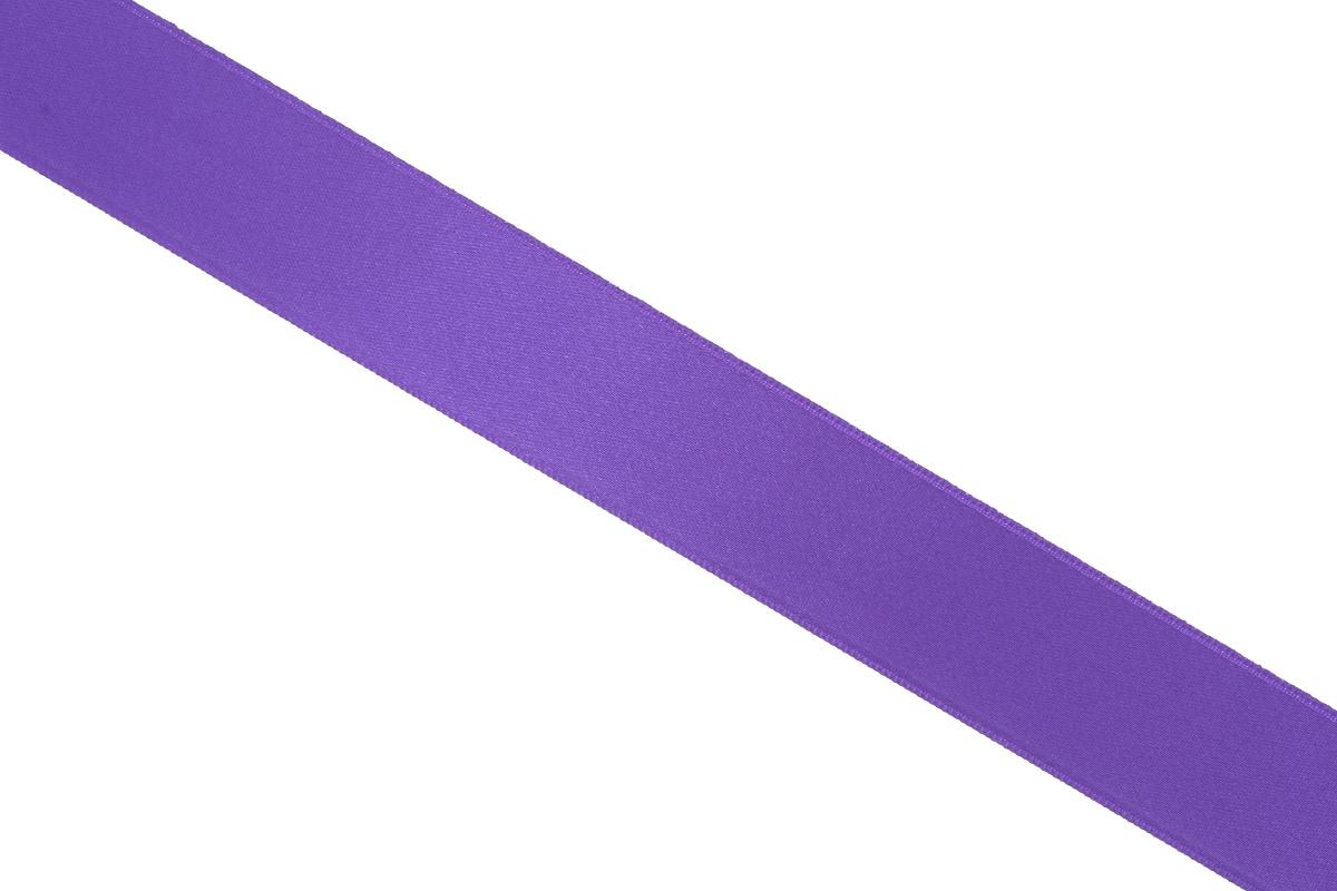 Лента атласная Prym, цвет: фиолетовый, ширина 25 мм, длина 25 м695804_60Атласная лента Prym изготовлена из 100% полиэстера. Область применения атласной ленты весьма широка. Изделие предназначено для оформления цветочных букетов, подарочных коробок, пакетов. Кроме того, она с успехом применяется для художественного оформления витрин, праздничного оформления помещений, изготовления искусственных цветов. Ее также можно использовать для творчества в различных техниках, таких как скрапбукинг, оформление аппликаций, для украшения фотоальбомов, подарков, конвертов, фоторамок, открыток и многого другого. Ширина ленты: 25 мм. Длина ленты: 25 м.