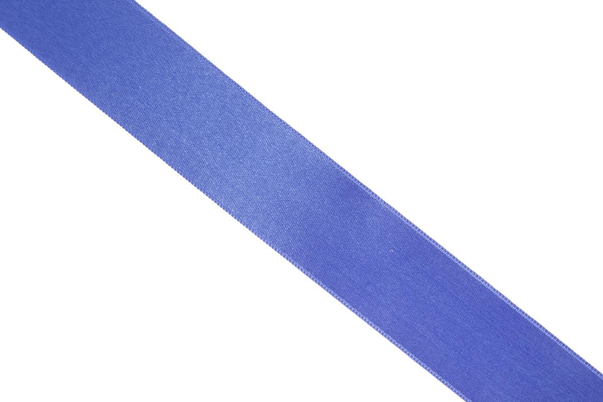 Лента атласная Prym, цвет: синий, ширина 25 мм, длина 25 м695804_54Атласная лента Prym изготовлена из 100% полиэстера. Область применения атласной ленты весьма широка. Изделие предназначено для оформления цветочных букетов, подарочных коробок, пакетов. Кроме того, она с успехом применяется для художественного оформления витрин, праздничного оформления помещений, изготовления искусственных цветов. Ее также можно использовать для творчества в различных техниках, таких как скрапбукинг, оформление аппликаций, для украшения фотоальбомов, подарков, конвертов, фоторамок, открыток и многого другого. Ширина ленты: 25 мм. Длина ленты: 25 м.