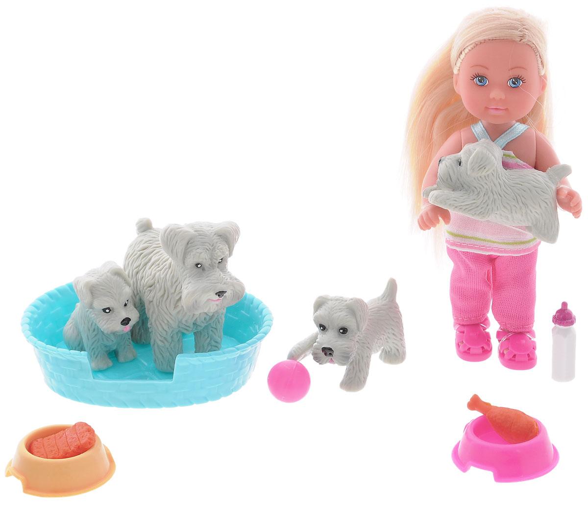 Simba Игровой набор с мини-куклой Еви с домашними животными5734191_собаки серыеКукла Simba Еви с домашними животными порадует любую девочку и надолго увлечет ее. Набор включает в себя куколку Еви, ее питомцев в виде серой собачки и трех ее щенков, а также аксессуары для ухода за животными. Малышка Еви одета в полосатую маечку и розовые брючки. На ногах у нее - яркие летние сандалики. Вашей дочурке непременно понравится заплетать длинные белокурые волосы куклы, придумывая разнообразные прически. Руки, ноги и голова куклы подвижны, благодаря чему ей можно придавать разнообразные позы. Игры с куклой способствуют эмоциональному развитию, помогают формировать воображение и художественный вкус, а также разовьют в вашей малышке чувство ответственности и заботы. Великолепное качество исполнения делают эту куколку чудесным подарком к любому празднику.