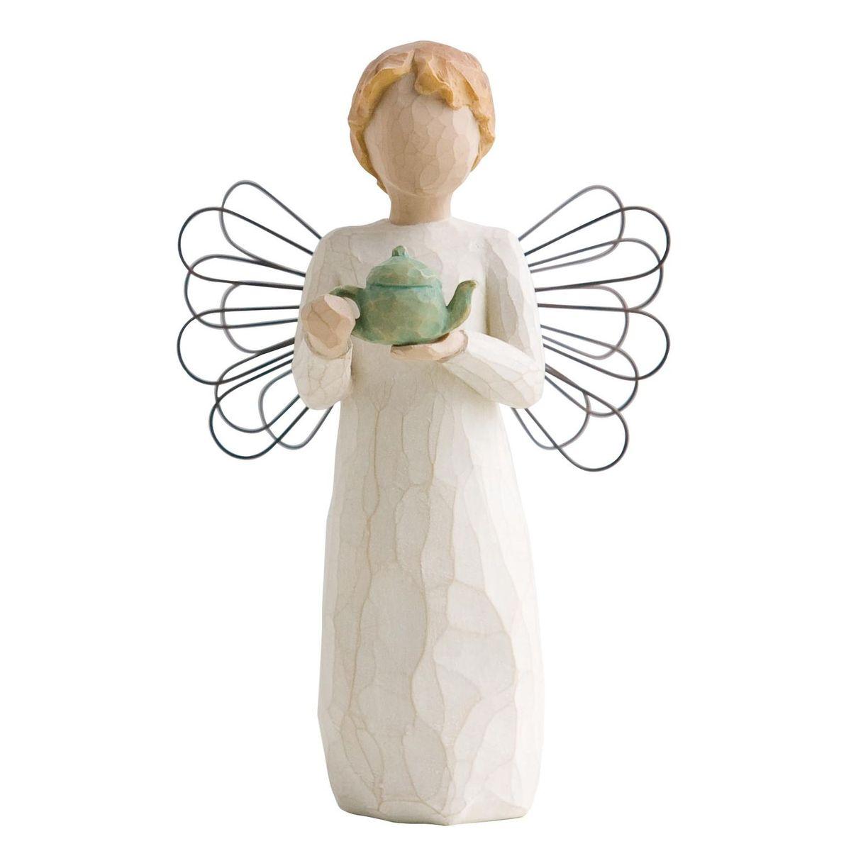 Фигурка Willow Tree Ангел кухни, 9,5 см26144Эти прекрасные статуэтки созданы канадским скульптором Сьюзан Лорди. Каждая фигурка – это настоящее произведение искусства, образная скульптура в миниатюре, изображающая эмоции и чувства, которые помогают нам чувствовать себя ближе к другим, верить в мечту, выражать любовь. Каждая фигурка помещена в красивую упаковку. Купить такой оригинальный подарок, значит не только украсить интерьер помещения или жилой комнаты, но выразить свое глубокое отношение к любимому человеку. Этот прекрасный сувенир будет лучшим подарком на день ангела, именины, день рождения, юбилей. Материал: Искусственный камень (49% карбонат кальция мелкозернистой разновидности, 51% искусственный камень)