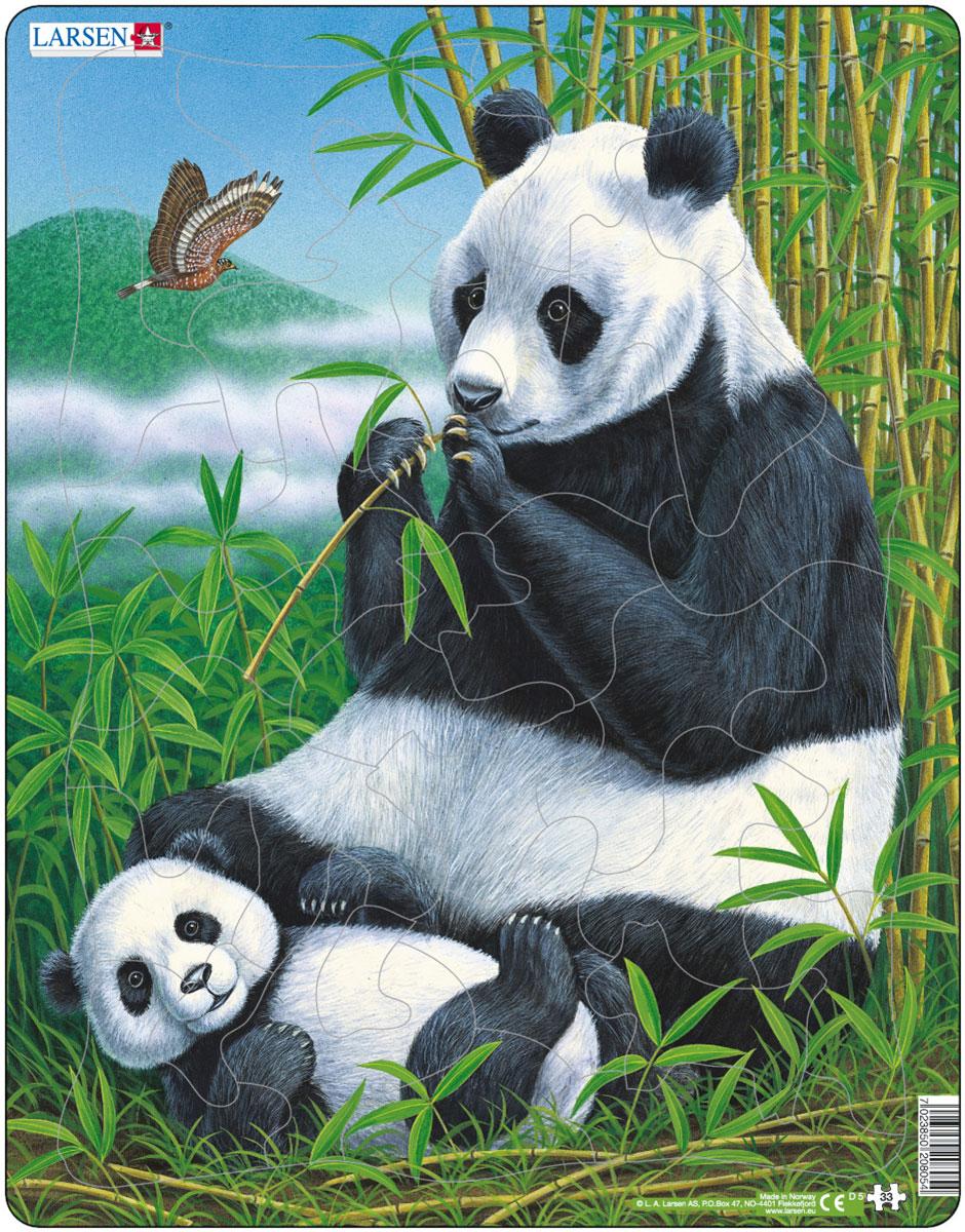 Larsen Пазл ПандыD5Пазлы Ларсен направлены, прежде всего, на обучение. Пазл Larsen Панды это не только яркая картинка, он также знакомит ребенка с представителями живой природы, милыми пандами. Звери, среда их обитания и повадки переданы с фотографической точностью. Выполненные из высококачественного трехслойного картона, пазлы не деформируются и легко берутся в руки. Все пазлы снабжены специальной подложкой, благодаря чему их удобно собирать. Размер готового пазла: 36,5 см х 28,5 см.
