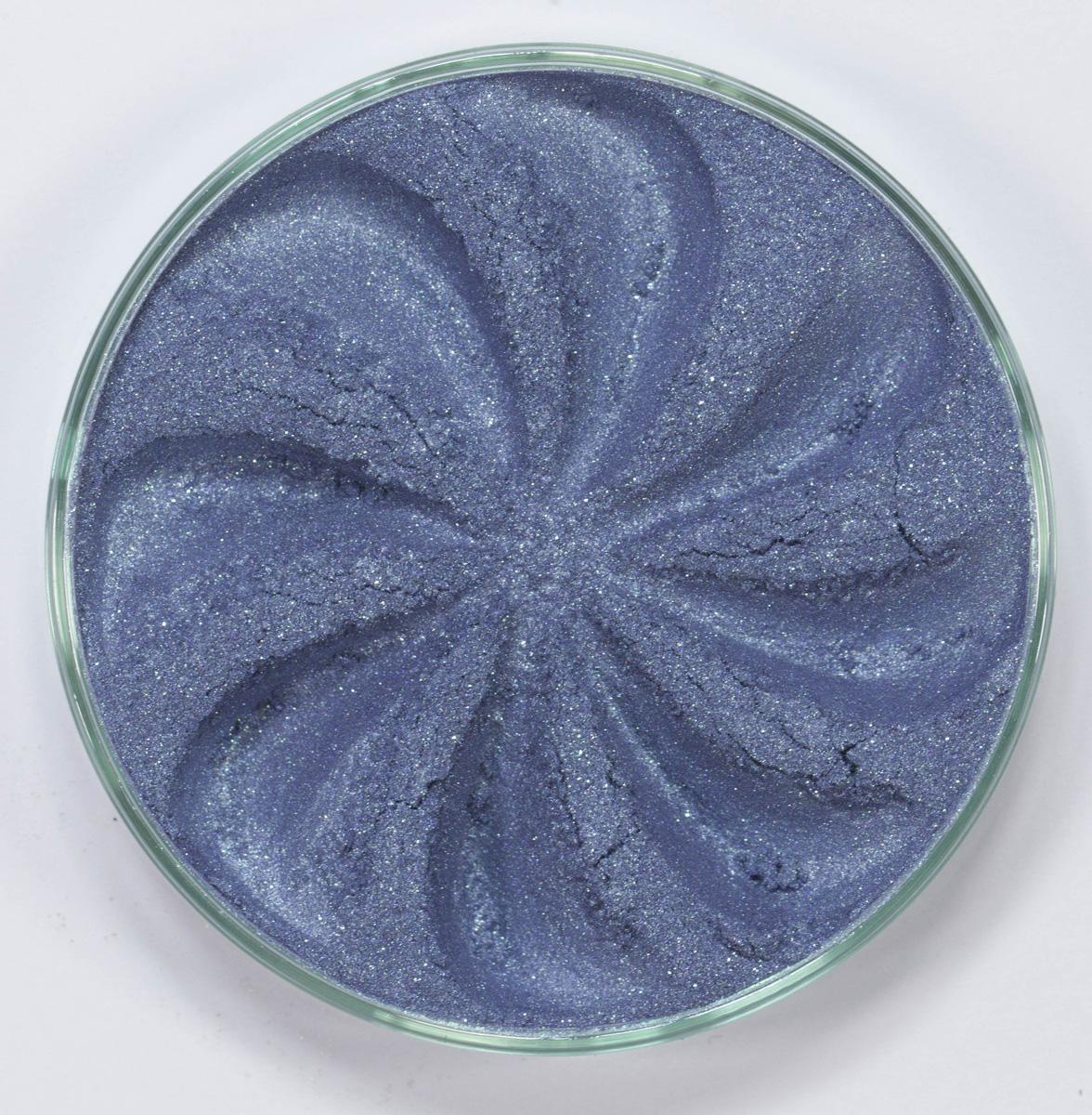 Era Minerals Минеральные Тени для век Frost тон F55 (мерцающая незабудка), 4 млEYF55Тени для век Frost в своем покрытии и исполнении варьируются от мерцающих и морозных до ослепляющих словно блеск снежного кристалла. Яркие, уникальные и многоуровневые оттенки этой формулы с неотразимым эффектом прерывистого света подчеркнут красоту любых глаз. Сильные и яркие минеральные пигменты Можно наносить как влажным, так и сухим способом Без отдушек и содержания масел, для всех типов кожи Дерматологически протестировано, не аллергенно Не тестировано на животных Вес нетто 1г (стандартный размер)