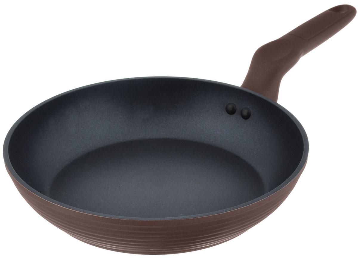 Сковорода Walmer Dover, с антипригарным покрытием, цвет: коричневый. Диаметр 24 смW10122405Сковорода Walmer Dover, изготовленная из кованого алюминия, имеет утолщенное дно и стенки. Антипригарное покрытие обеспечивает быстрый и равномерный нагрев. Кроме того, с таким покрытием пища не пригорает и не прилипает к стенкам, поэтому можно готовить с минимальным добавлением масла и жиров. Сковорода с антипригарным покрытием Walmer Dover имеет еще одно преимущество - эргономичную форму ручки, которая обеспечивает максимальное удобство использования. Ее термоизолированная поверхность гарантирует, что даже при сильном нагреве ручка не изменит своей температуры. Внешнее покрытие сковороды очень прочное, обладает высокой термостойкостью и не меняет цвет при нагреве, легко моется. Стоит помнить о том, что антипригарное дно сковороды наилучшим образом подходит для лопаток из дерева, пластика и силикона. Металлические ложки и лопатки могут повредить целостность покрытия. Подходит для всех типов плит, включая индукционные. ...