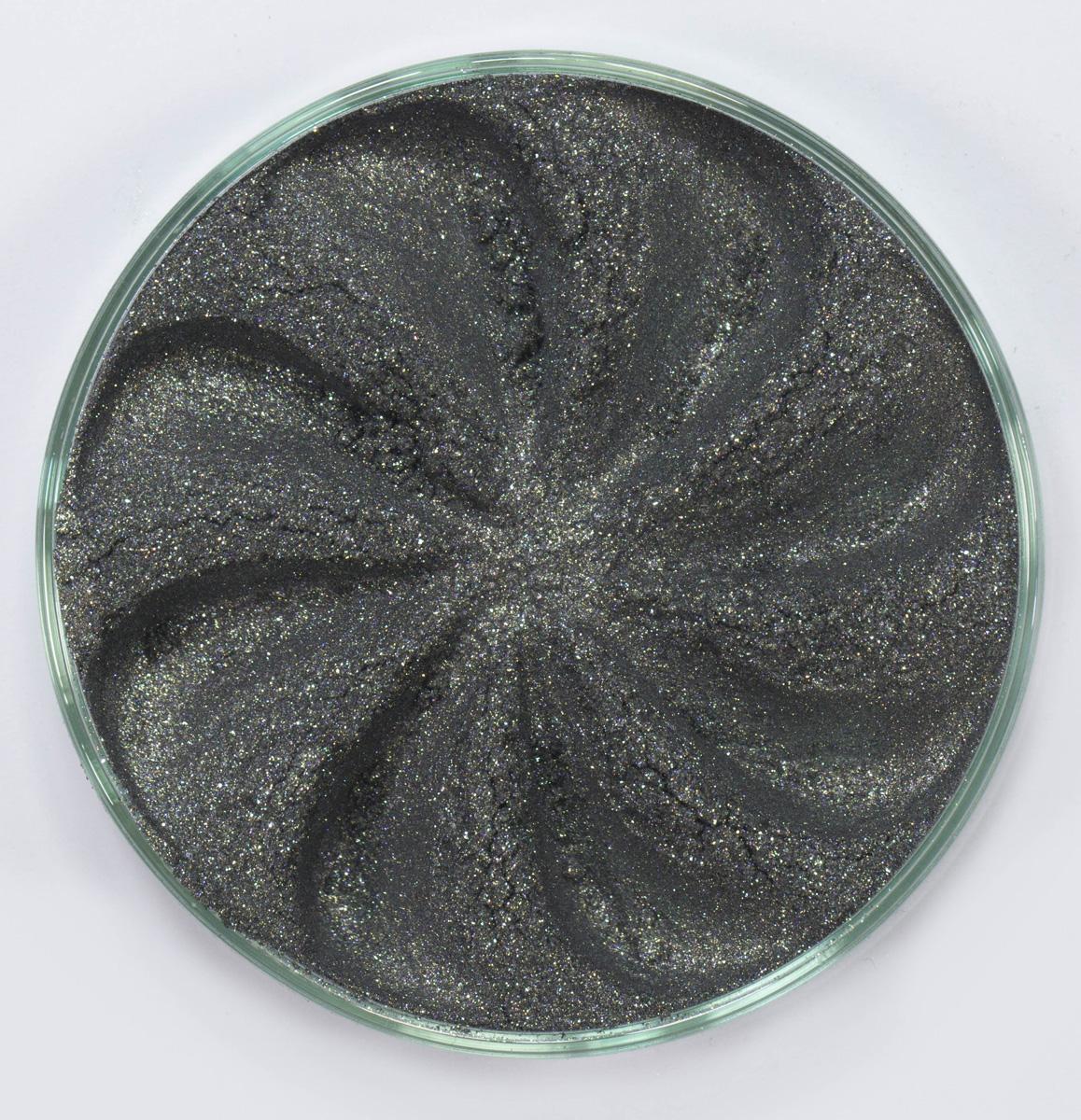 Era Minerals Минеральные Тени для век Frost тон F54 (графитовый с бензиновым мультиблеском), 4 млEYF54Тени для век Frost в своем покрытии и исполнении варьируются от мерцающих и морозных до ослепляющих словно блеск снежного кристалла. Яркие, уникальные и многоуровневые оттенки этой формулы с неотразимым эффектом прерывистого света подчеркнут красоту любых глаз. Сильные и яркие минеральные пигменты Можно наносить как влажным, так и сухим способом Без отдушек и содержания масел, для всех типов кожи Дерматологически протестировано, не аллергенно Не тестировано на животных Вес нетто 1г (стандартный размер)