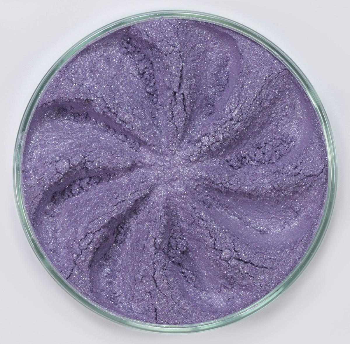 Era Minerals Минеральные Тени для век Jewel тон J26 (светло-аметистовый), 4 млEYJ26Тени для век Jewel обеспечивают комплексное покрытие, своим сиянием напоминающее как глубину, так и лучезарный блеск драгоценного камня. Текстура теней содержит в себе цвет-основу с содержанием крошечных мерцающих частиц, превосходно сочетающихся с основным цветом. Сильные и яркие минеральные пигменты Можно наносить как влажным, так и сухим способом Без отдушек и содержания масел, для всех типов кожи Дерматологически протестировано, не аллергенно Не тестировано на животных Вес нетто 1г (стандартный размер)