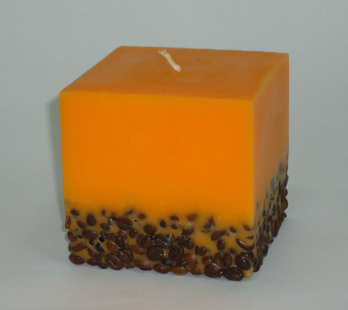 Свеча декоративная PROFFI HOME Квадрат 9,5х9,5х9,5 (с кофе),цвет: оранжевыйPH5909