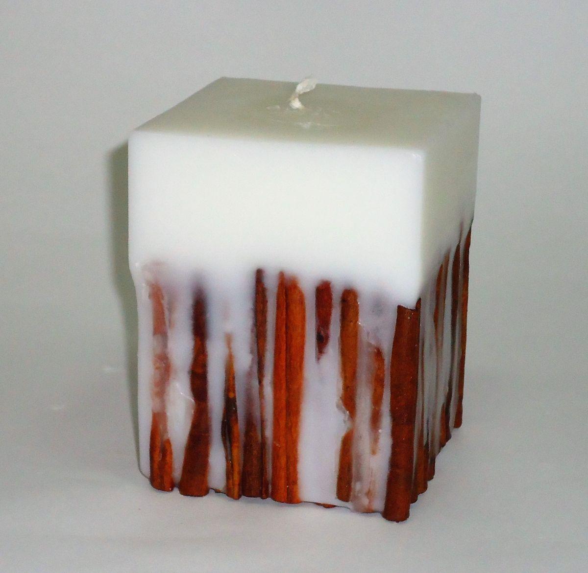 Свеча декоративная PROFFI HOME Квадрат 12х9,5х9,5 (с корицей), цвет: белыйPH5913