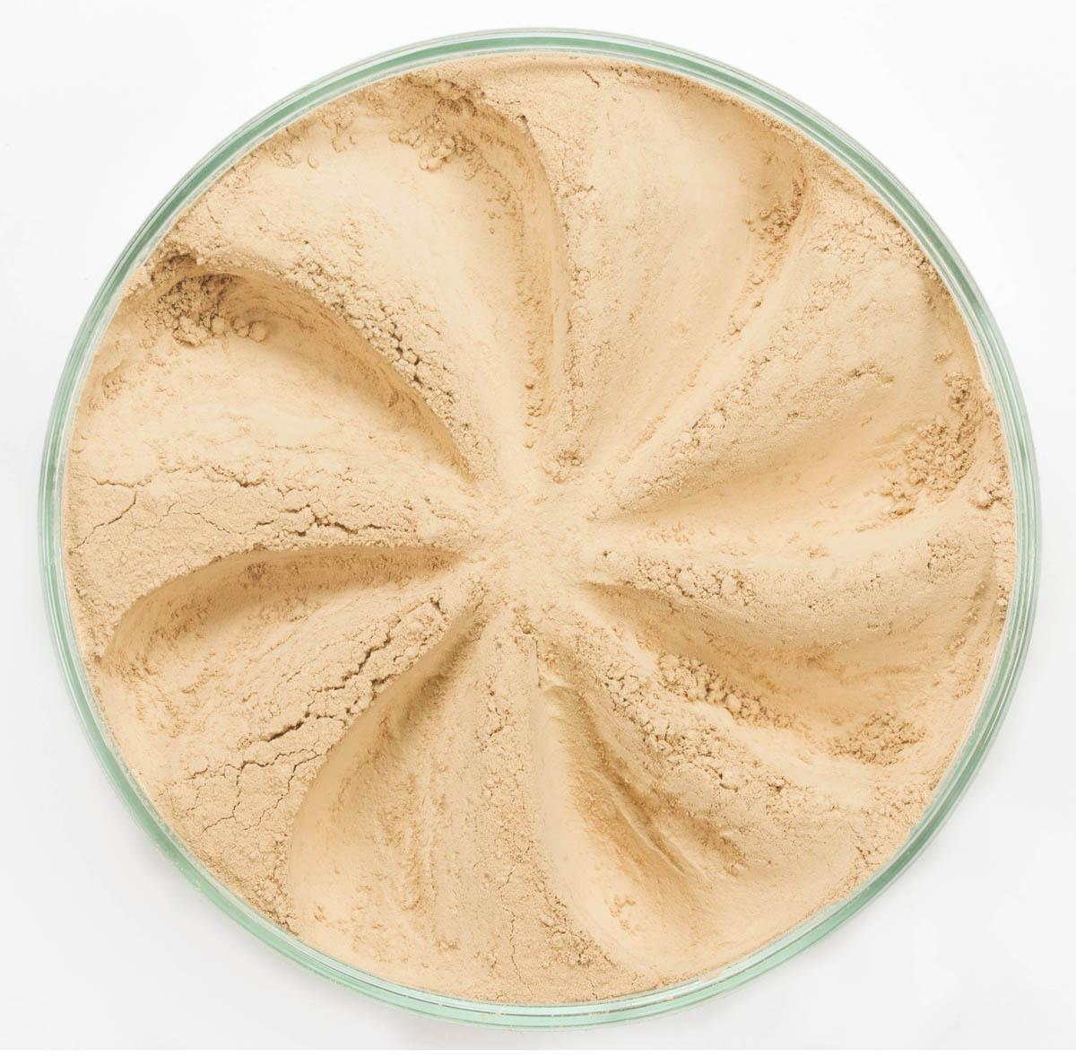 Era Minerals Минеральная Тональная основа Flawless тон 334, 16,5 млFN334Основа Flawless предназначена для нормальной и склонной к жирности кожи. Обеспечивает умеренное покрытие с матирующим эффектом. Без отдушек и масел, для всех типов кожи Водостойкое, долгосрочное покрытие Широкий спектр фильтров UVB/UVA, протестированных при SPF 30+ Некомедогенно, не блокирует поры Дерматологически протестировано, не аллергенно Антибактериальные ингредиенты, помогает успокоить раздраженную кожу Состоит из неактивных минералов, не способствует развитию бактерий Не тестировано на животных Вес нетто 7г (стандартный размер)
