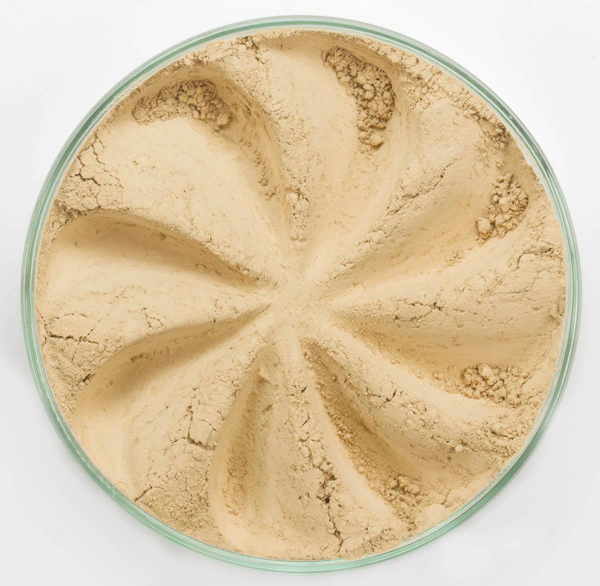 Era Minerals Минеральная Тональная основа Velvet тон 244, 16,5 млFN244Основа Velvet подходит для нормальной и склонной к сухости кожи, обеспечивает легкое или умеренное покрытие с матирующим эффектом. Без отдушек и масел, для всех типов кожи Водостойкое, долгосрочное покрытие Широкий спектр фильтров UVB/UVA, протестированных при SPF 30+ Некомедогенно, не блокирует поры Дерматологически протестировано, не аллергенно Антибактериальные ингредиенты, помогает успокоить раздраженную кожу Состоит из неактивных минералов, не способствует развитию бактерий Не тестировано на животных Вес нетто 7г (стандартный размер)