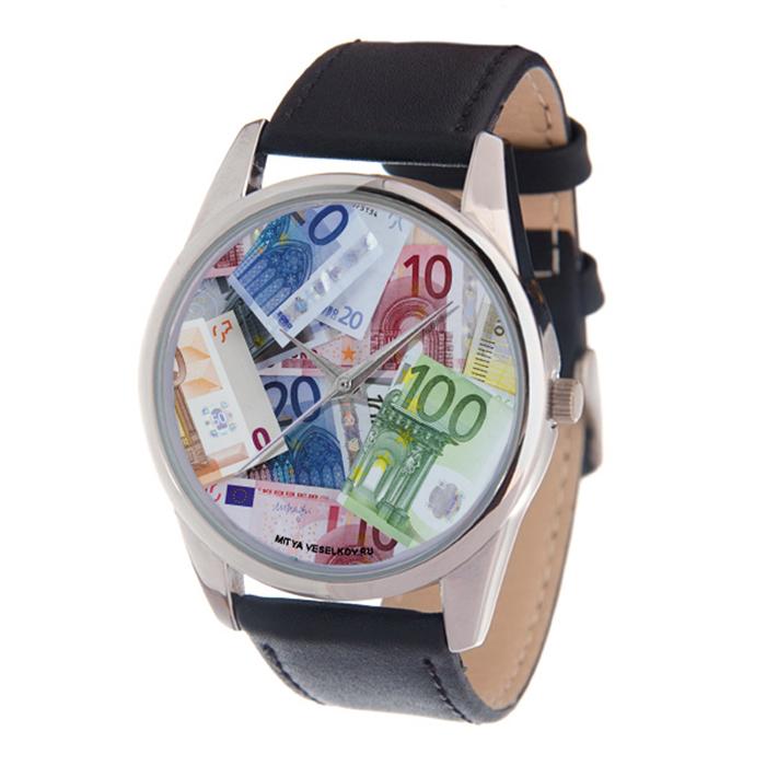 Часы наручные мужские Mitya Veselkov Евро, цвет: серебряный, черный, мультицвет. MV-203MV-203Оригинальные мужские часы Mitya Veselkov Евро выполнены из металлического сплава, натуральной кожи и минерального стекла. Циферблат изделия оформлен изображением денежных банкнот. Корпус часов оснащен японским кварцевым механизмом, а также дополнен минеральным стеклом и имеет степень влагозащиты равную 3 atm. Ремешок дополнен практичной пряжкой, которая позволит моментально снимать и одевать часы без лишних усилий. Часы поставляются в фирменном стакане. Часы Mitya Veselkov подчеркнут отменное чувство стиля у их обладателя.
