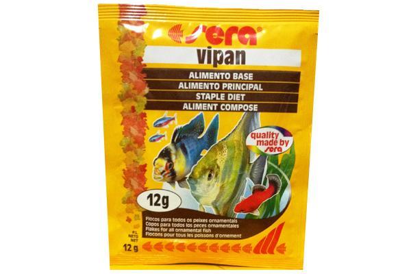 Sera Vipan Корм для декоративных рыб, хлопья 12г15962Классика - хлопьевидный корм для декоративных рыб в аквариумах со смешанным сообществом. sera випан - идеальный основной корм для рыб в аквариумах со смешанным сообществом. Сбалансированный состав удовлетворяет потребности множества видов. Бережная обработка гарантирует сохранение ценных ингредиентов (например, жирных кислот Омега, витаминов и минералов). Метод его приготовления, применяемый фирмой sera, позволяет хлопьям сохранять свою форму в течение длительного времени, не загрязняя воду. Благодаря уникальной очень высокой степени измельчения, хлопья в тоже время очень нежны и поэтому охотно поедаются рыбой. Доступен в обычной форме и в форме крупных хлопьев. Уважаемые клиенты! Обращаем ваше внимание на возможные изменения в дизайне упаковки. Качественные характеристики товара остаются неизменными. Поставка осуществляется в зависимости от наличия на складе.