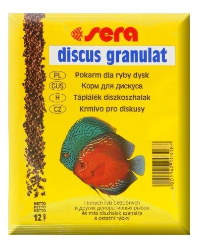 Sera Discus Granulat Корм для дискусов, гранулы 12г15967Основной гранулированный корм для всех видов дискусов. sera дискус гранулят – медленно погружающийся гранулированный корм для дискусов и других привередливых декоративных рыб. В воде гранулы корма быстро становятся мягкими, не разбухают и, таким образом, не оказывают воздействия на животных. Размер гранул, цвет и состав превосходно согласуются со специфическими потребности дискусов и способствуют сбалансированному питанию в соответствии с их естественными потребностями.