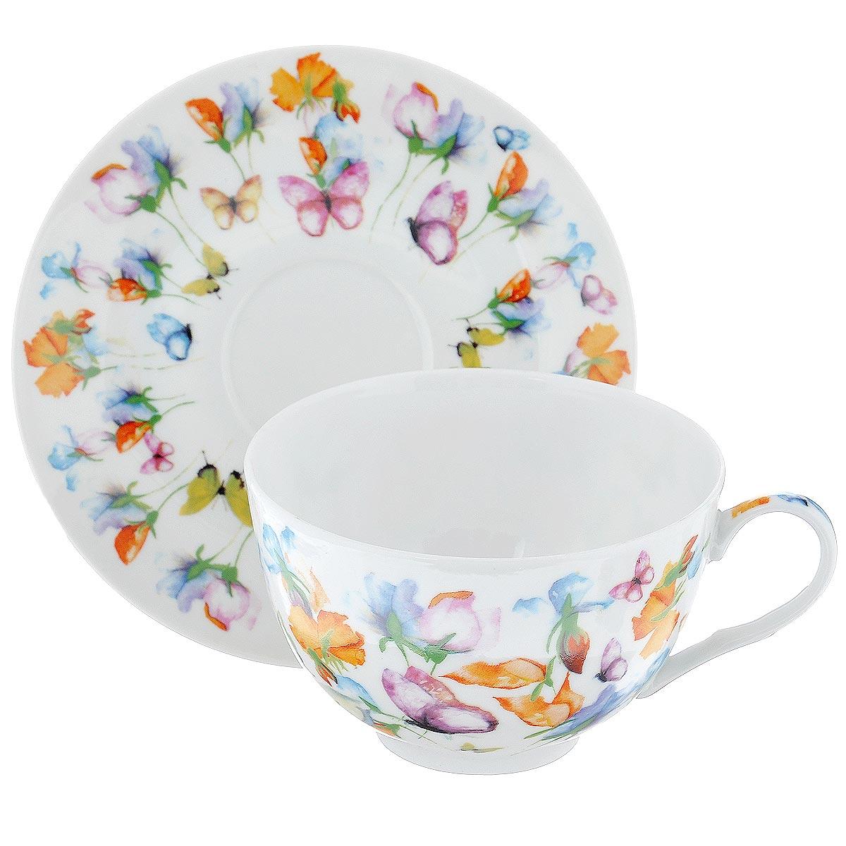 Набор подарочный чайный GiftnHome Цветы, 2 предметаCS-280 ЦветыПодарочный набор GiftnHome Цветы состоит из чашки и блюдца. Изделия выполнены из тонкого фарфора, оформленного красочным изображением цветов и бабочек. Такой набор станет изящным украшение стола к чаепитию. Прекрасный подарок к любому случаю. Набор упакован в подарочную коробку с крышкой, декорированной сиреневой атласной лентой. Можно использовать в посудомоечной машине и СВЧ. Объем чашки: 280 мл. Диаметр чашки (по верхнему краю): 10,5 см. Высота чашки: 6 см. Диаметр блюдца: 14,5 см.