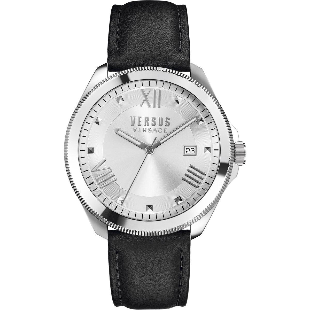 Часы наручные женские Versus Versace, цвет: серебристый, черный. SBE01 0015SBE01 0015Элегантные женские часы Versus Versace выполнены из нержавеющей стали, натуральной кожи и минерального стекла. Циферблат часов дополнен символикой бренда. Корпус часов оснащен кварцевым механизмом, имеет степень влагозащиты равную 3 atm, а также дополнен устойчивым к царапинам минеральным стеклом. Стрелки дополнены светящимся составом. Ремешок часов оснащен классической пряжкой, которая позволит с легкостью снимать и надевать изделие. Часы поставляются в фирменной упаковке. Часы Versus Versace подчеркнут изящность женской руки и отменное чувство стиля у их обладательницы.