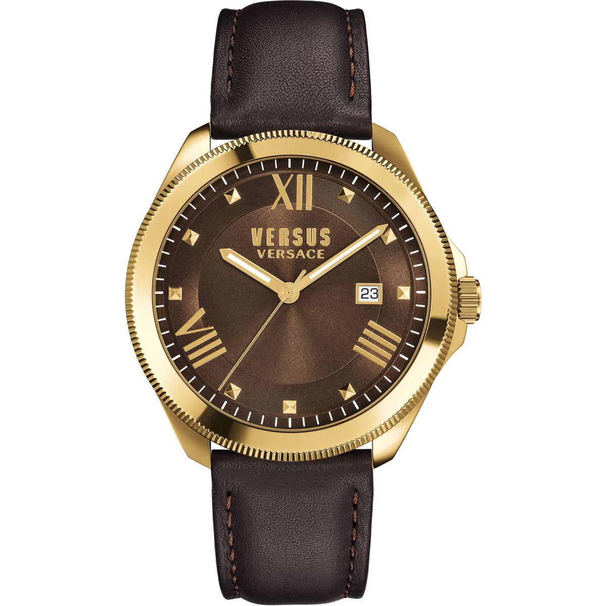 Часы наручные женские Versus Versace, цвет: золотой, коричневый. SBE02 0015SBE02 0015Элегантные женские часы Versus Versace выполнены из нержавеющей стали, натуральной кожи и минерального стекла. Циферблат часов дополнен символикой бренда. Корпус часов оснащен кварцевым механизмом, имеет степень влагозащиты равную 3 atm, а также дополнен устойчивым к царапинам минеральным стеклом. Стрелки дополнены светящимся составом. Ремешок часов оснащен классической пряжкой, которая позволит с легкостью снимать и надевать изделие. Часы поставляются в фирменной упаковке. Часы Versus Versace подчеркнут изящность женской руки и отменное чувство стиля у их обладательницы.