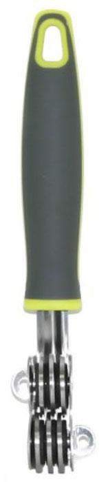 Ножеточка МФК-профит Comfort, длина 19 смMFK01036Ножеточка МФК-профит Comfort выполнена из высококачественной нержавеющей стали. Диски ножеточки специально направлены и заточены, что обеспечивает быструю и качественную заточку любых лезвий. Удобная ручка из полипропилена с резиновыми вставками не позволит выскользнуть изделию из вашей руки. Также она имеет петлю, с помощью которой ножеточку можно подвесить в удобном для вас месте. Длина ножеточки: 19 см. Размер рабочей поверхности: 4,5 см х 1,8 см х 3 см.