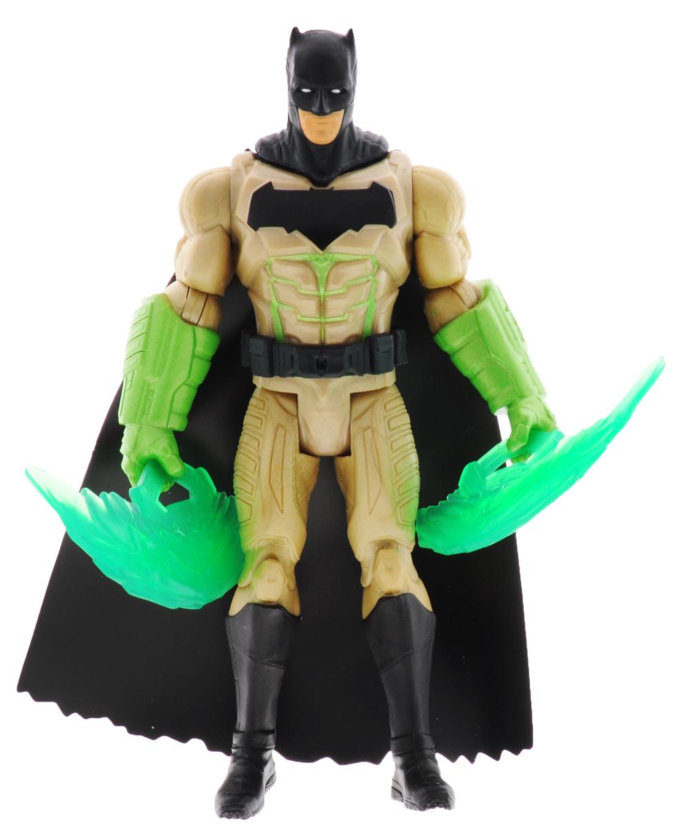 DC Comics Фигурка Бэтмен с лезвиямиDJG28_DJG36Фигурка Dc Comics Бэтмен с лезвиями выполнена из безопасного пластика в виде популярного героя комиксов. У фигурки подвижные руки, ноги и голова. В наборе имеется оружие в виде двух лезвий. Такая фигурка непременно понравится поклоннику Бэтмена и станет замечательным украшением любой коллекции. Бэтмен (настоящее имя Брюс Уэйн) - вымышленный герой, персонаж комиксов издательства DC Comics, впервые появившийся в 1939 году, который посвятил свою жизнь искоренению преступности и борьбе за справедливость. В мае 2011 года Бэтмен занял 2 место в списке Сто лучших героев комиксов всех времен, уступив лишь Супермену.