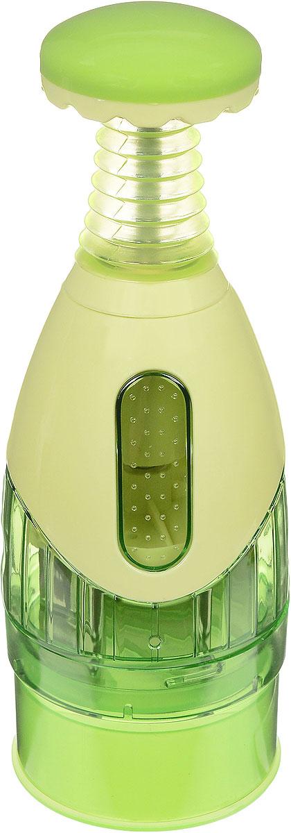 Измельчитель-чоппер Mayer & Boch, механический, цвет: салатовый20010Измельчитель-чоппер Mayer & Boch, изготовленный из высокопрочного пластика, предназначен для измельчения чеснока, лука, зелени и других продуктов. Для измельчения необходимо положить продукт в измельчитель, закрыть крышку и несколько раз нажать на кнопку сверху. Установленные на крышке измельчителя острые лезвия из нержавеющей стали, позволяют достичь превосходного результата. Измельчитель-чоппер Mayer & Boch - незаменимый помощник хозяйкам на кухне. С таким аксессуаром вы будете избавлены от запахов, слез и не запачкаете рук. Диаметр основания: 8,5 см. Высота: 25 см.