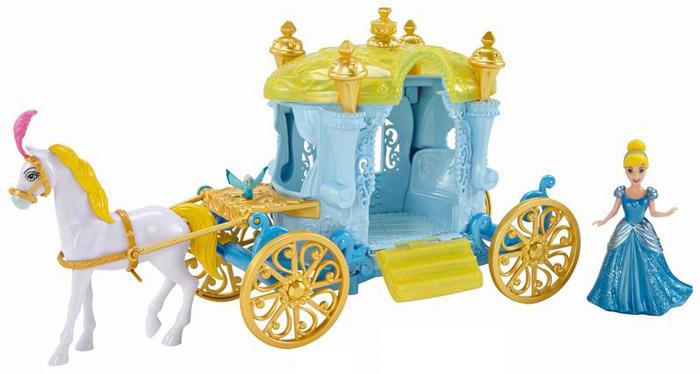 Disney Princess Игровой набор с куклой ЗолушкаCJP94/CJP95/BDK06Окунитесь в мир приключений, романтики и веселья! Вместе с милой Золушкой прокатитесь на королевский бал в изящной карете, запряженной красавцем конем. Игровой набор Disney Princess Золушка включает: мини-куклу Золушку, фигурку птички, фигурку коня и шикарную карету. Платье Золушки выполнено по технологии Magic Clip, благодаря чему менять наряды принцессы станет очень просто и быстро. Колеса кареты свободно вращаются, дверь открывается. Сделайте такой великолепный подарок вашей маленькой принцессе!