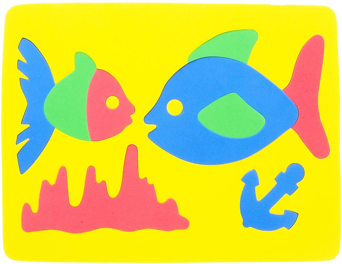 Фантазер Пазл для малышей Рыбки цвет основы желтый063551Р_желтыйПазл для малышей Фантазер Рыбки выполнен из мягкого полимера, который дает юному конструктору новые удивительные возможности в игре: детали пазла гнутся, но не ломаются, их всегда можно состыковать. Пазл представляет собой основу, в которой собираются две рыбки. Ваш ребенок сможет собрать пазл и в ванной. Элементы пазла можно намочить, благодаря чему они будут хорошо прилипать к стене в ванной комнате. Такой пазл развивает пространственное и логическое мышления, память и глазомер, знакомит с формами и цветом предмета в процессе игры.