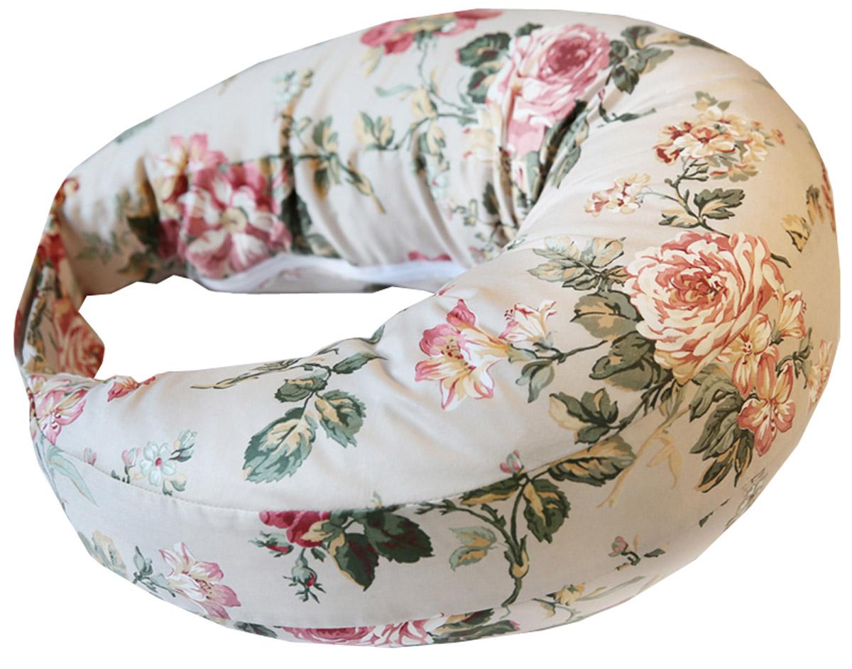 Velina Подушка для беременных и кормления РозыVel-RoseСпециально разработанная для кормящих мам удобная подушка, позволит Вам кормить ребенка грудью с комфортом, освободив при этом ваши руки. Из чего состоит подушка: 1. Подушка внутренняя (банан). Может использоваться беременными во время сна, для создания удобной позы. Сшита из 100% хлопка. 2. Внешняя наволочка на липучке. Сшита из 100% хлопка. Теперь наши подушки оснащены наволочкой, для того чтобы ее можно было снять и постирать. Правила ухода за наволочкой: стирка при температуре 30 градусов, гладить в температурном режиме для хлопка (три точки на утюге). Размер внешней наволочки подходит для размеров: 44-50. Для больших размеров используйте расширительную полоску (поставляется в комплекте с наволочкой). Удобство подушки в том, что она не сваливается когда Вы встаете с места вместе с подушкой. Это происходит за счет того что наволочка имеет сзади липучку, с возможностью регулировать длину подушки под вашу талию. 3. Наполнитель. Пенополистироловые шарики. Это экологически чистый...