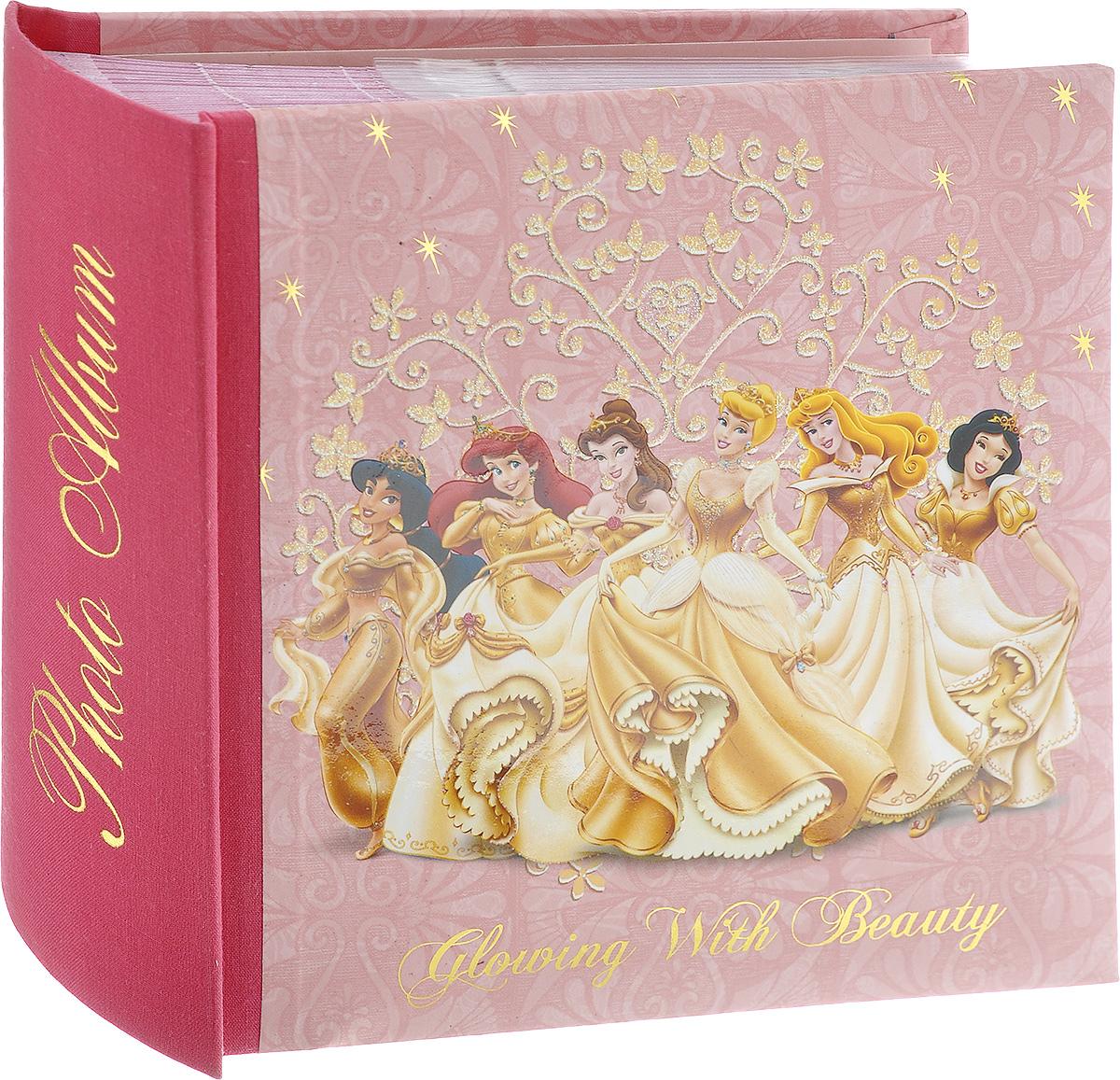 Фотоальбом Pioneer Gold Princess, 100 фотографий, 10 х 15 см 1120011200_розовыйФотоальбом Pioneer Gold Princess поможет красиво оформить ваши фотографии. Обложка, выполненная из толстого картона, оформлена изображением героев из известных мультфильмов. Внутри содержится блок из 50 листов с фиксаторами-окошками из полипропилена. Альбом рассчитан на 100 фотографий формата 10 см х 15 см (по 1 фотографии на странице). Переплет - книжный. Нам всегда так приятно вспоминать о самых счастливых моментах жизни, запечатленных на фотографиях. Поэтому фотоальбом является универсальным подарком к любому празднику. Количество листов: 50.